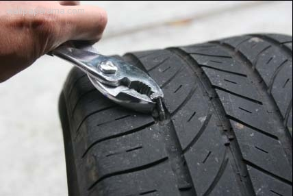 How To Fix And Repair A Flat Tire In Your Car On Your Own