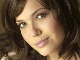 22p-8201-top10-mandy-moore.jpg