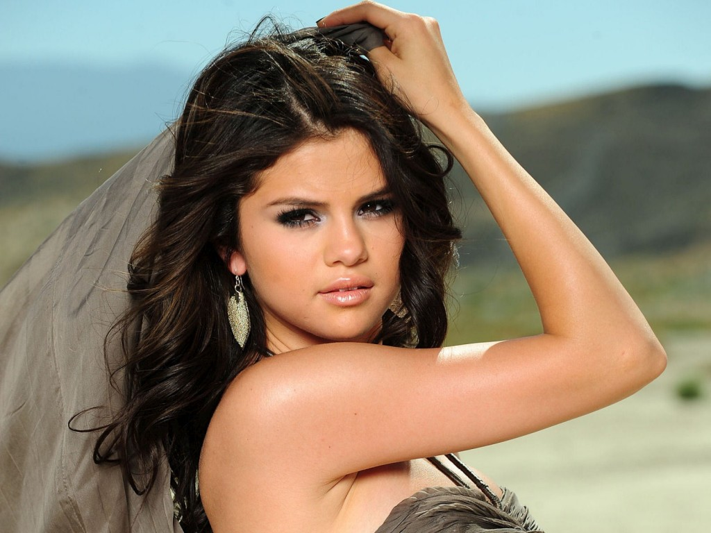 06-p8890-selena-gomez-hot-cute-beautiful-9-1024x768.jpg