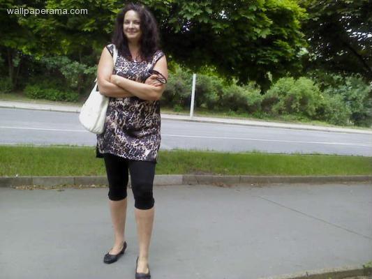 Mujer busca hombre joven medellin