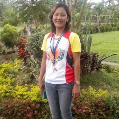 im looking for a filipino by Job description dear family how are you doing hope your fine my name is  mary grace  i am a 24 year-old filipino, currently living in a medium sized city.