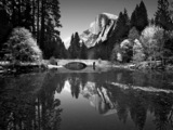 Yosemite Park Lake Wallpaper