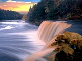 Peaceful Water Fall Wallpaper