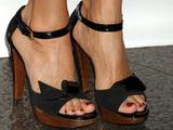Women Feet Wallpaper