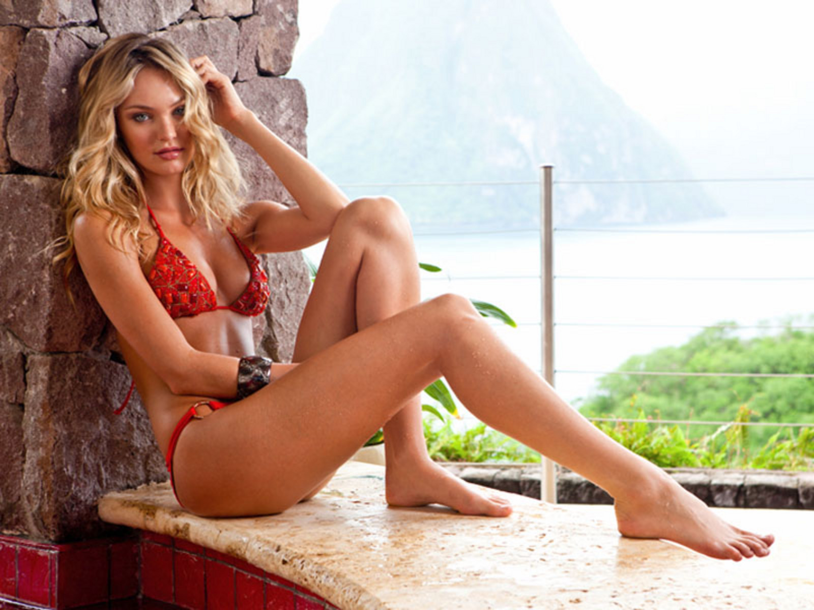 Candice Swanepoel 2 Wallpaper