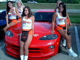 Hooters Girls Wallpaper