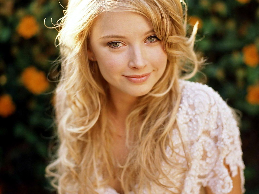 Elisabeth Harnois Wallpaper